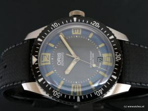 Oris-Divers-Sixty-Five