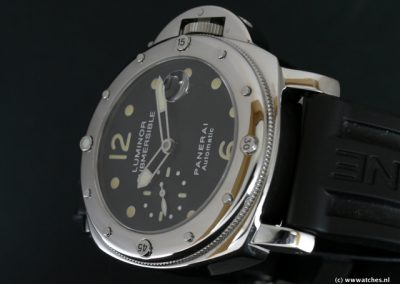 Panerai-PAM024-Submersible-3