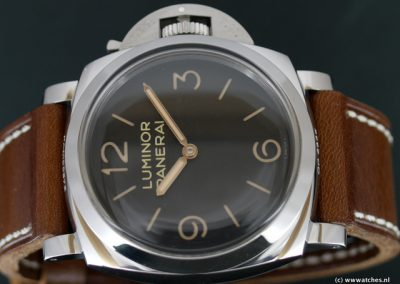 Panerai-PAM372-Luminor-1950-Base
