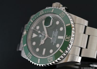 Rolex-Submariner-Date-116610LV-3