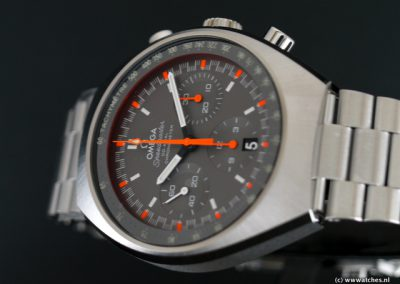 Omega-Speedmaster-Mark-II-Racing-Co-Axial-3