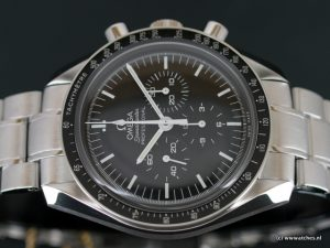 Omega-Speedmaster-Moonwatch-Professional