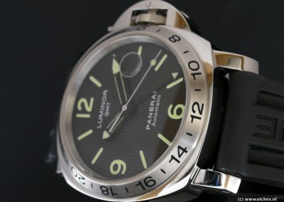 Panerai-PAM029-Luminor-GMT-Special-Edition-3