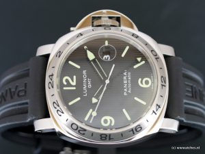 Panerai-PAM029-Luminor-GMT-Special-Edition