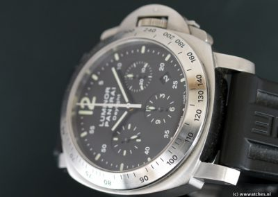Panerai-PAM250-Luminor-Daylight-3